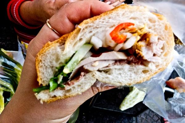 finished bánh mì