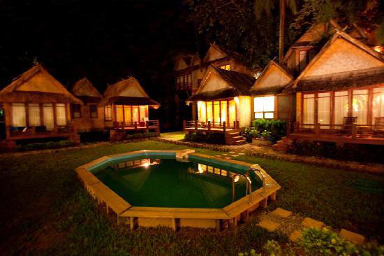 bungalows by night